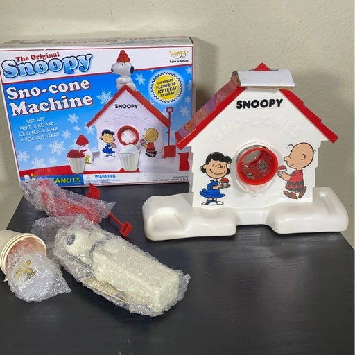 Snoopy Sno-Cone Machine Snow Cone Maker