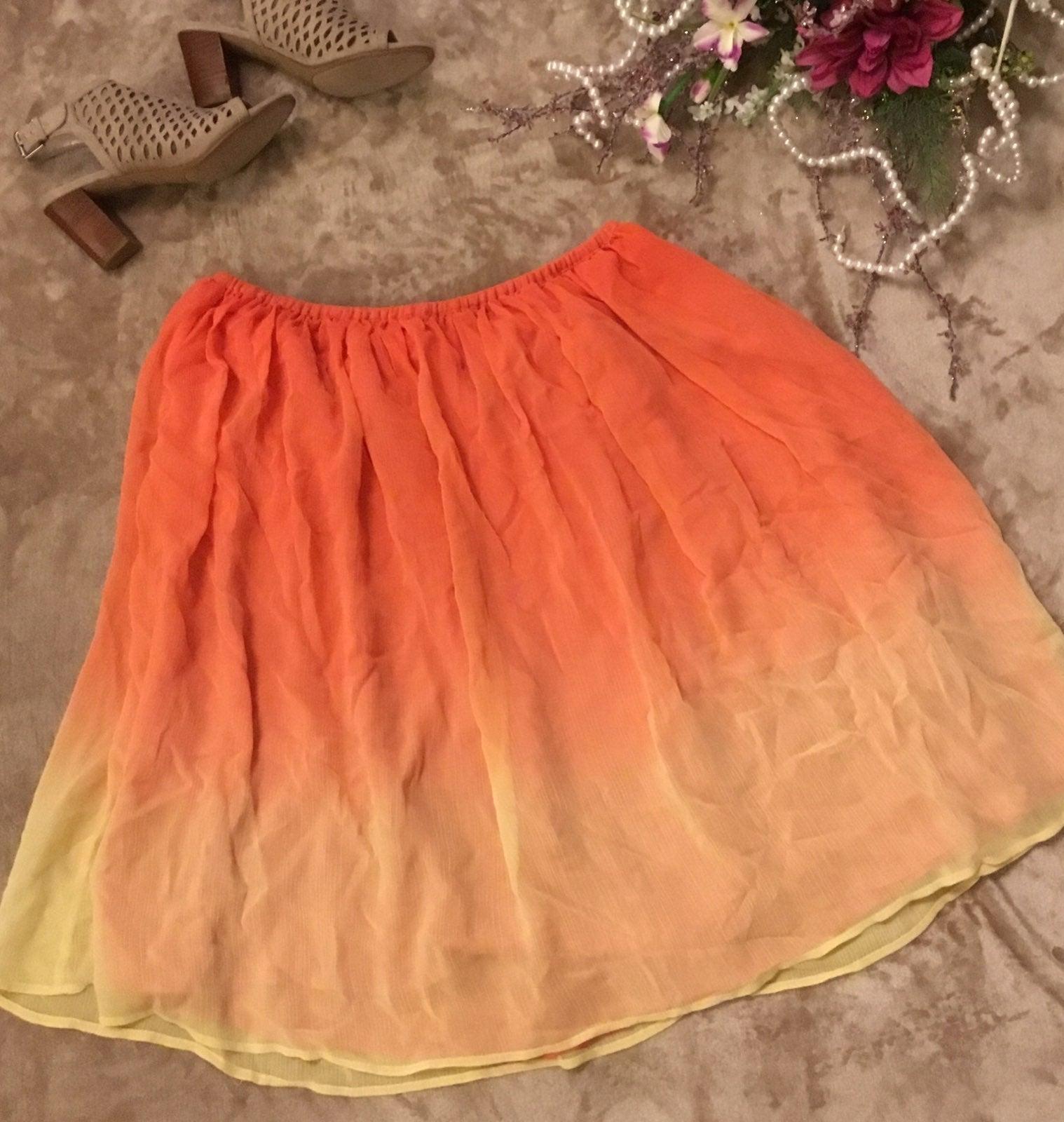 Jaclyn Smith Full Skirt. Large NWOT
