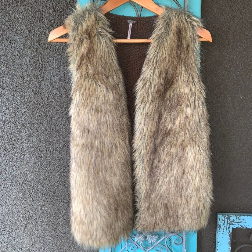 Poof! faux fur lined knitted vest small