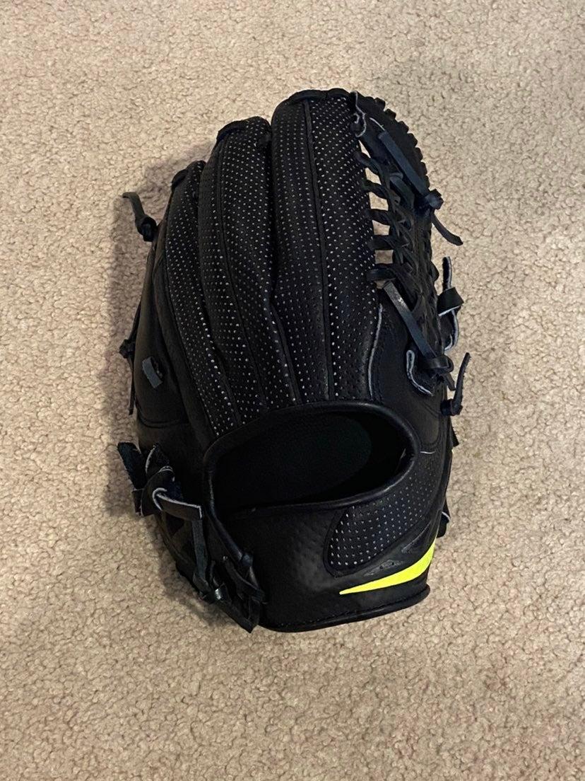 Nike hyperfuse baseball glove new