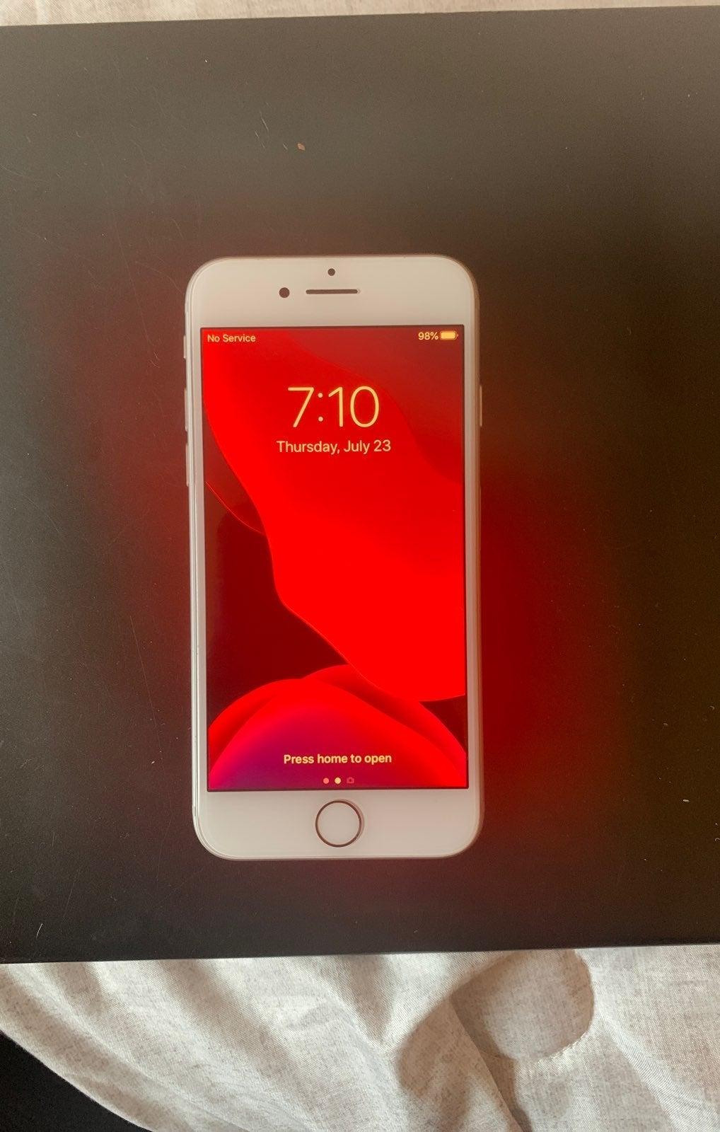 Unlocked iphone 7 128gb silver