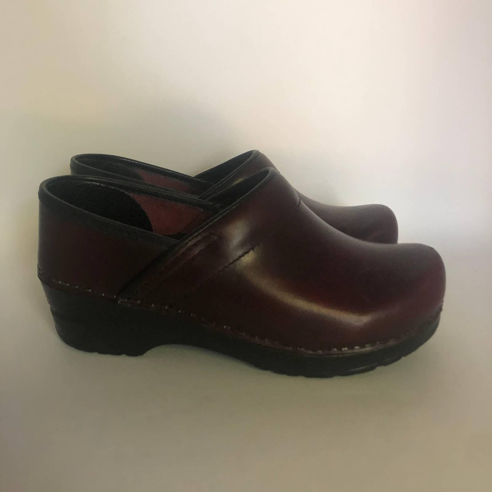 Sanita Leather Clogs Nursing Size 5/36