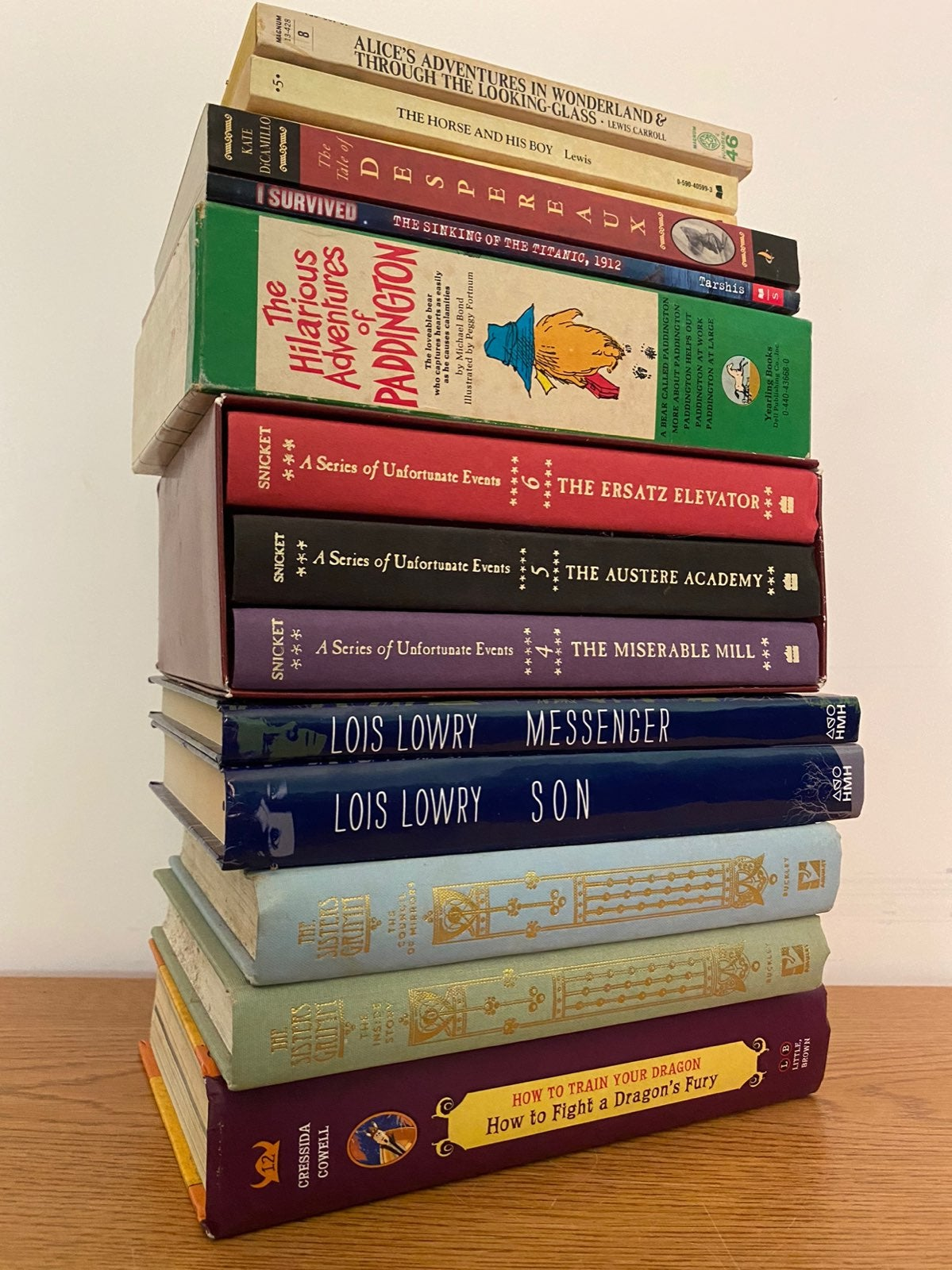 Lot of 18 childrens / Young Adult Books