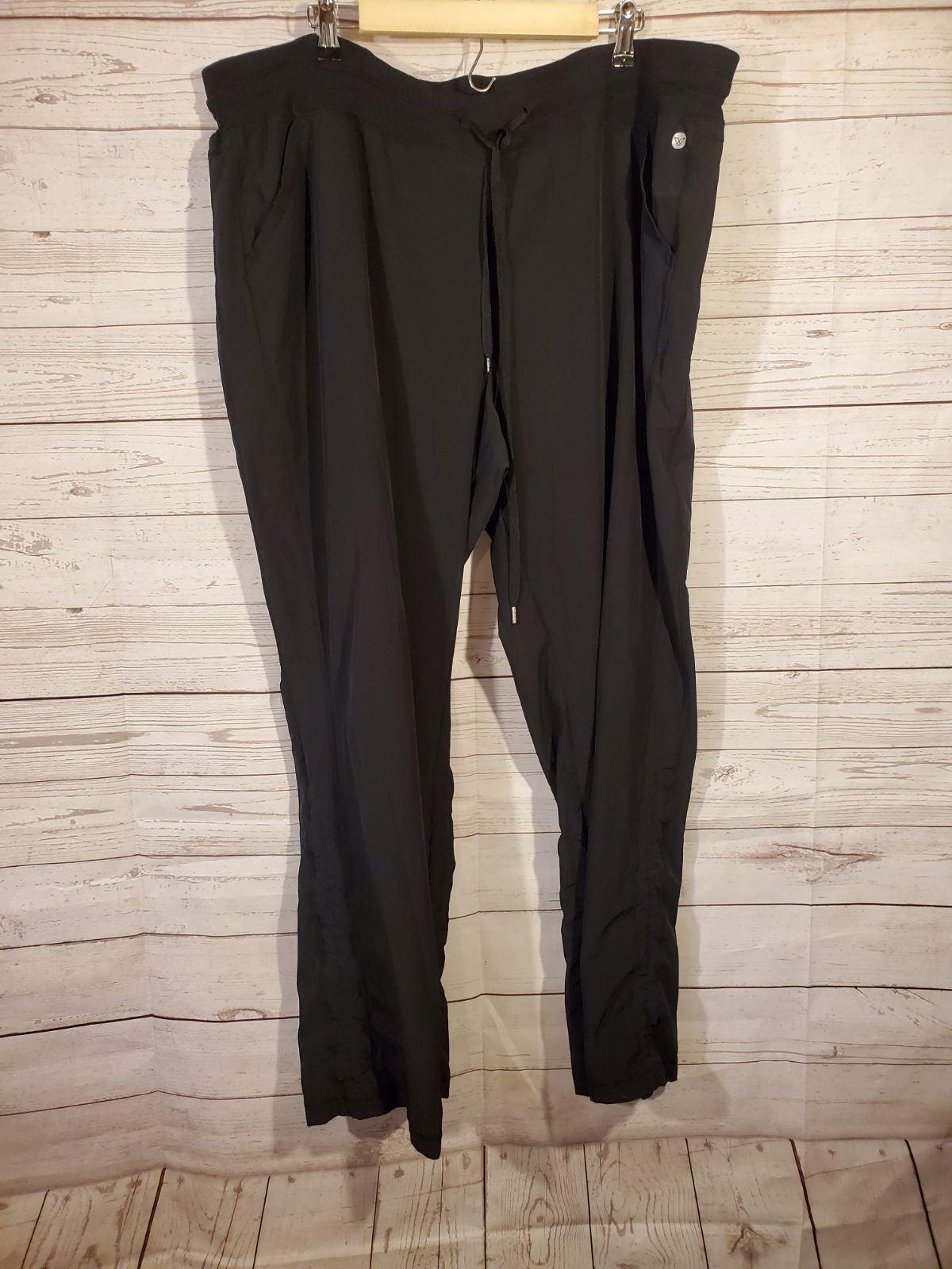 Livi Active Sz 22/24 Black Pants