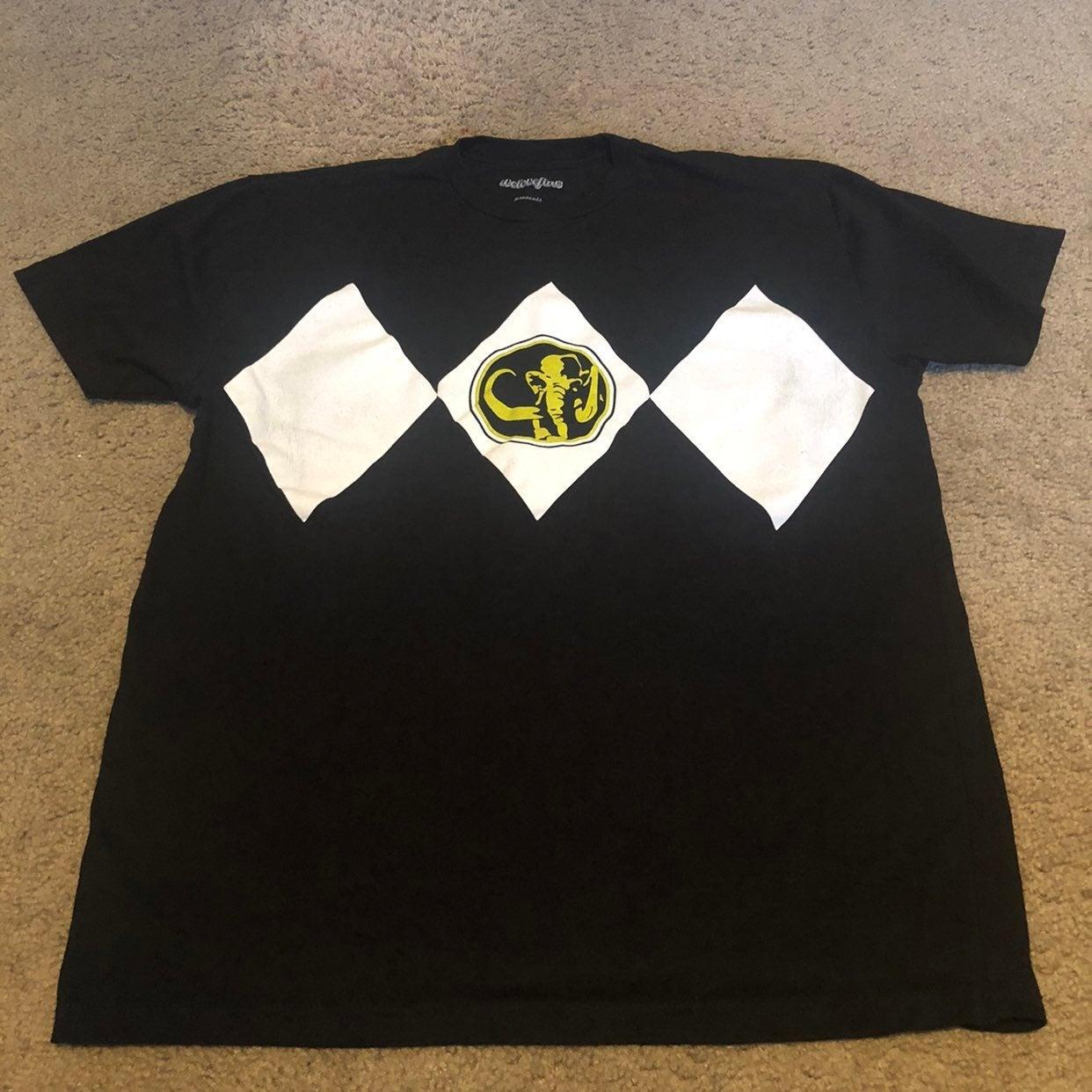 Black power ranger tshirt - large