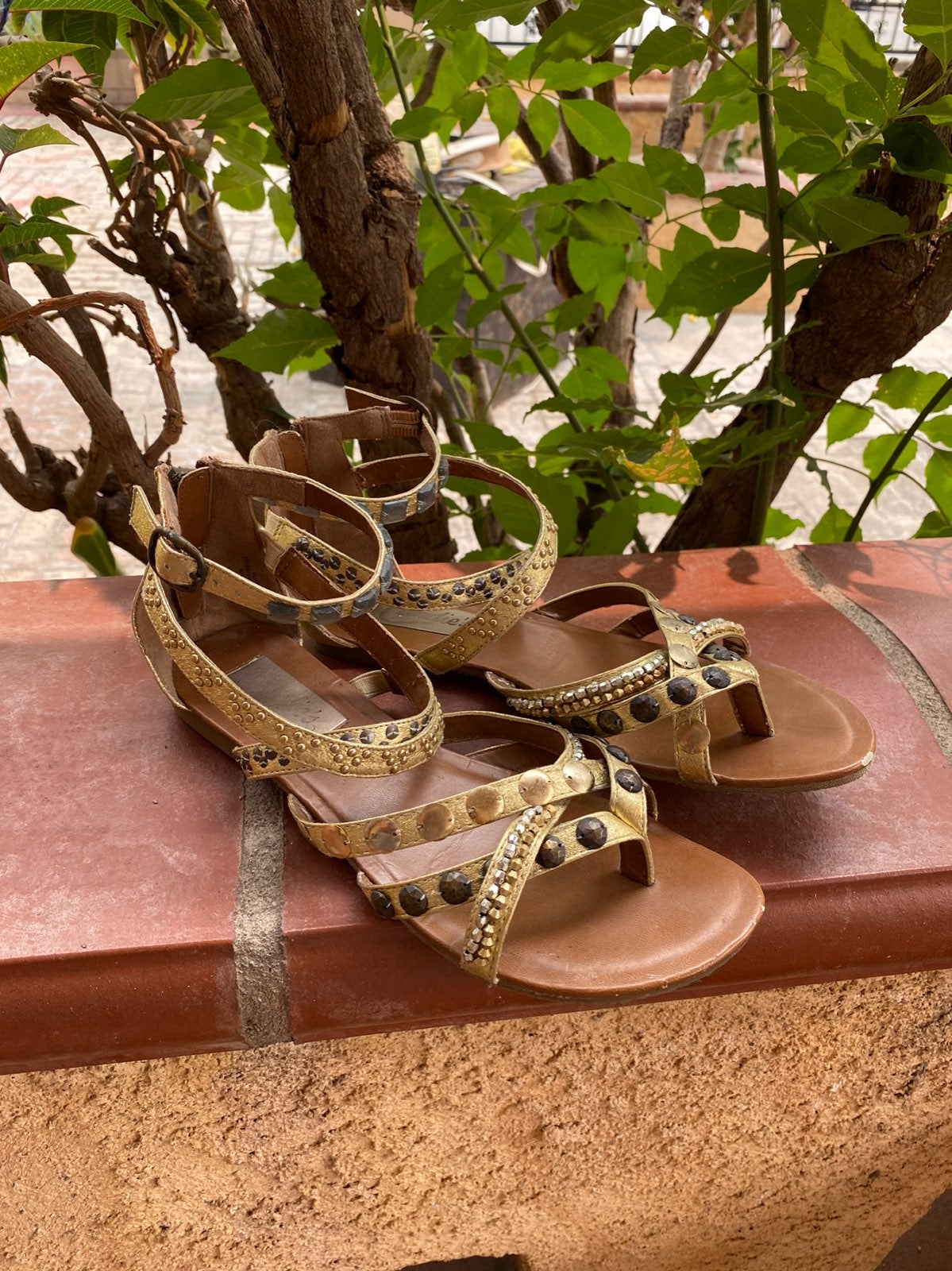 Candie's Beaded Sandals (Size 7)