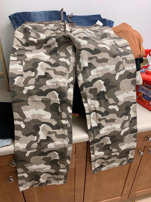 Cabelas camo pants size 18