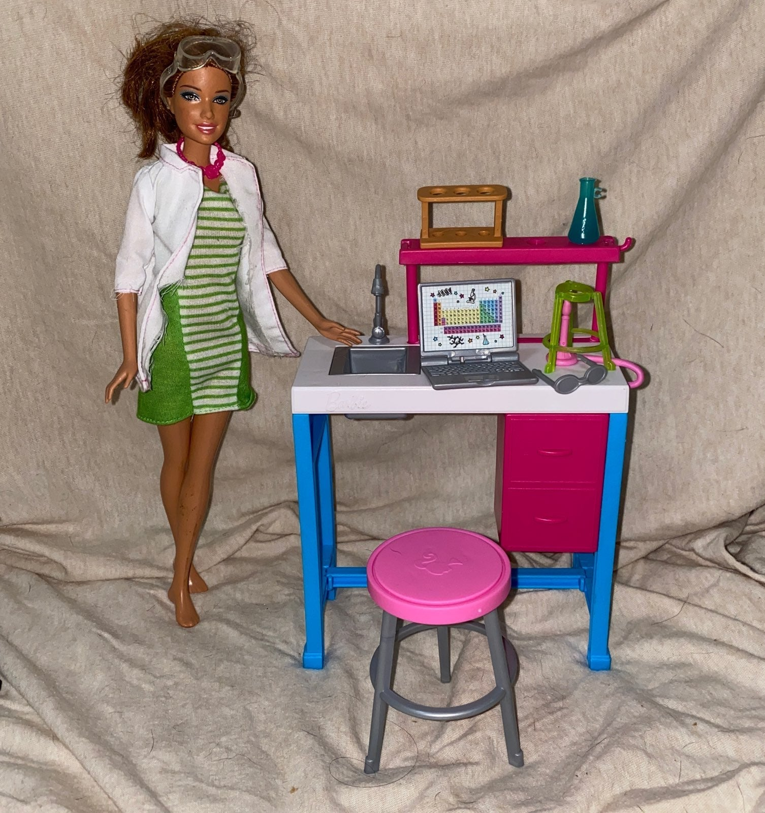Barbie Mattel Science Lab Playset and do