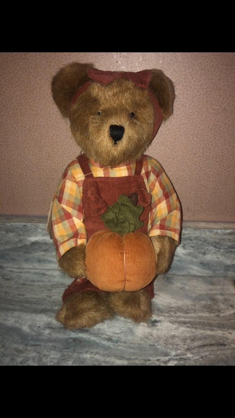 Boyds bears Penelope P. Punkinbeary