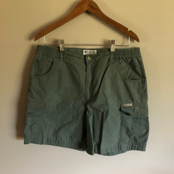 Columbia | Green Khaki Hiking Shorts