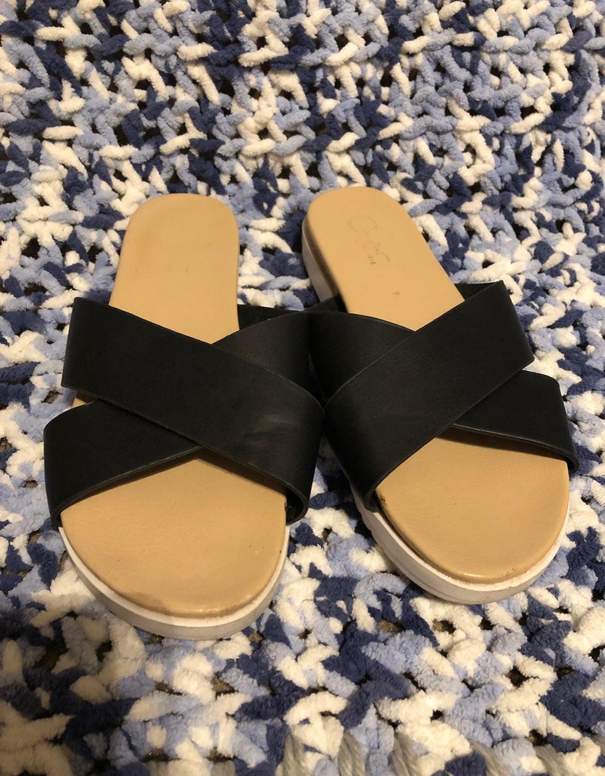 Black criss-cross sandals