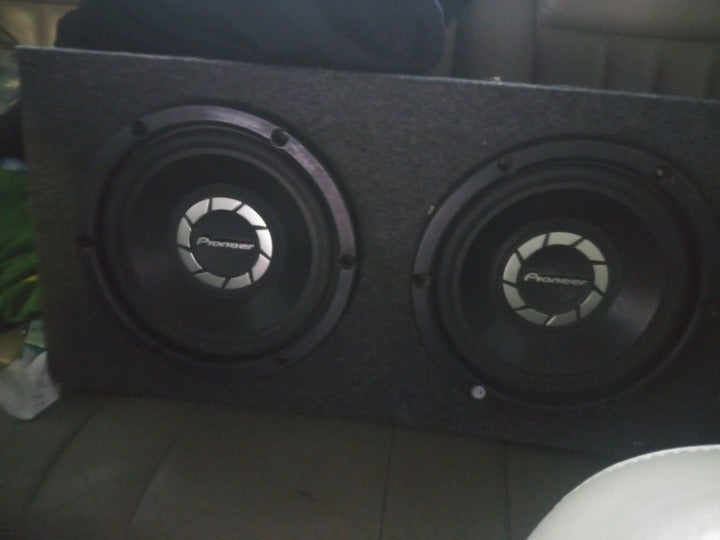10 inch pioneer subwoofers in a box