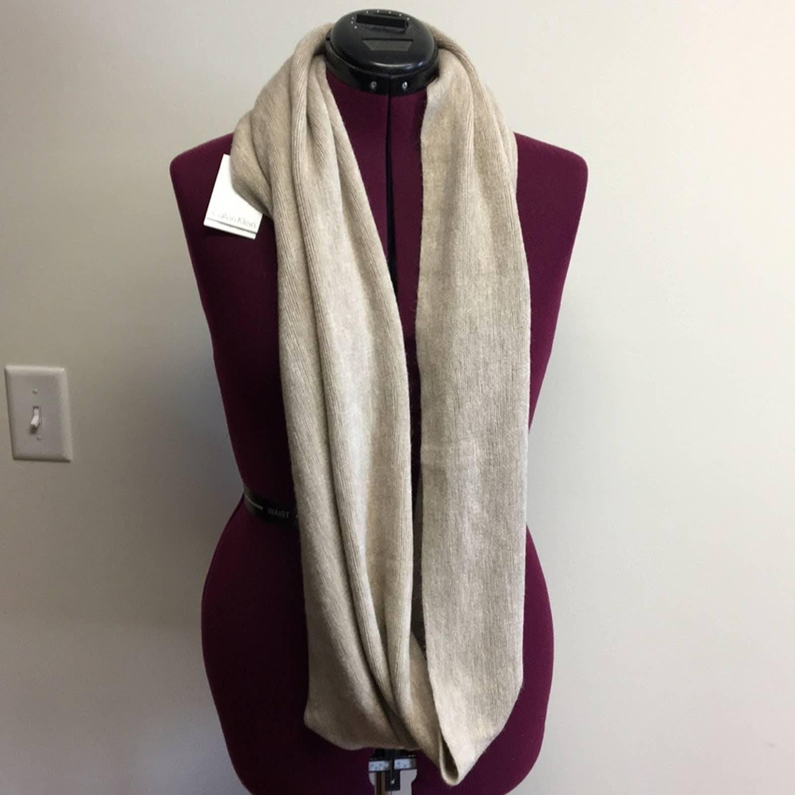 CALVIN KLEIN infinity scarf cream NWT