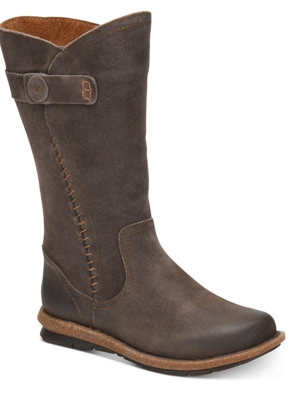Born Tonic rust women boots 11