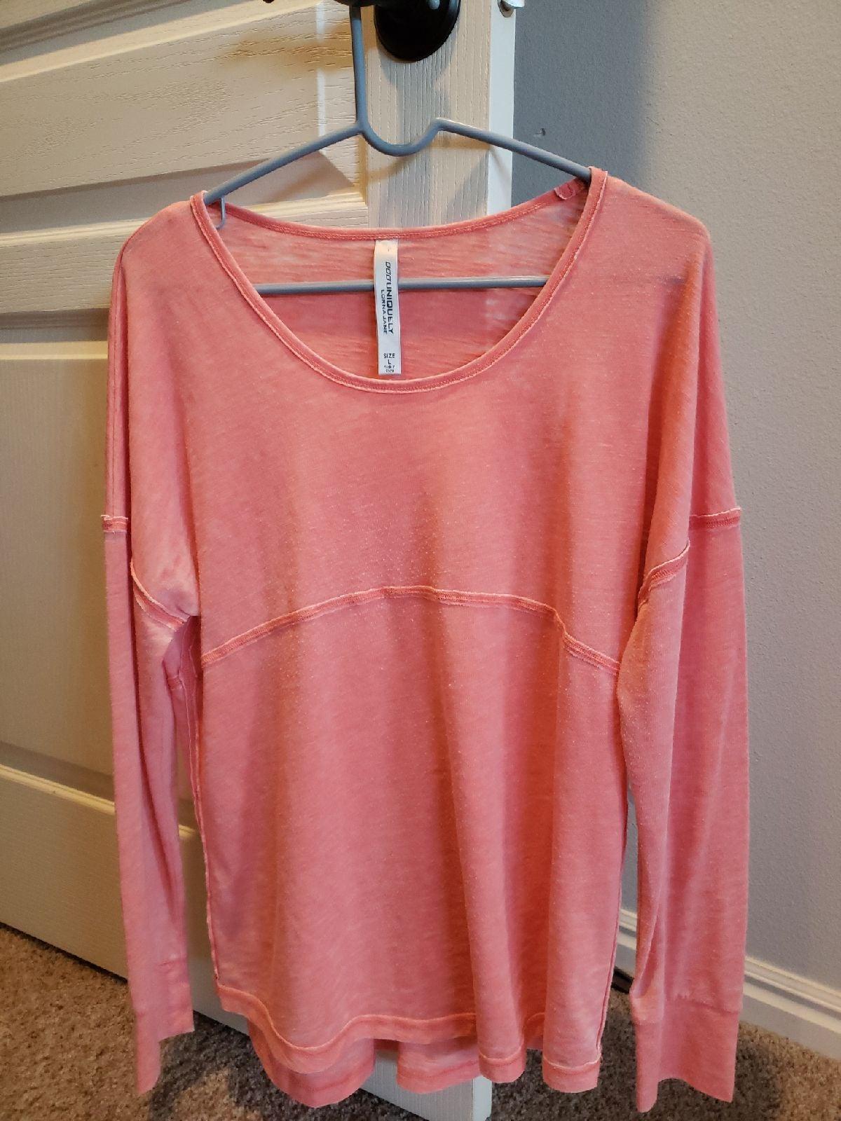 Lorna Jane long sleeved top