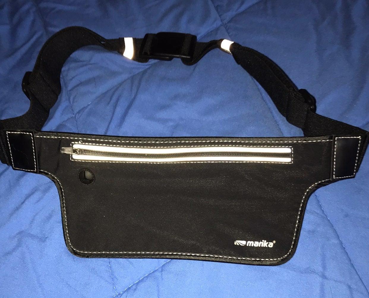 Smartphone fitness waist pack