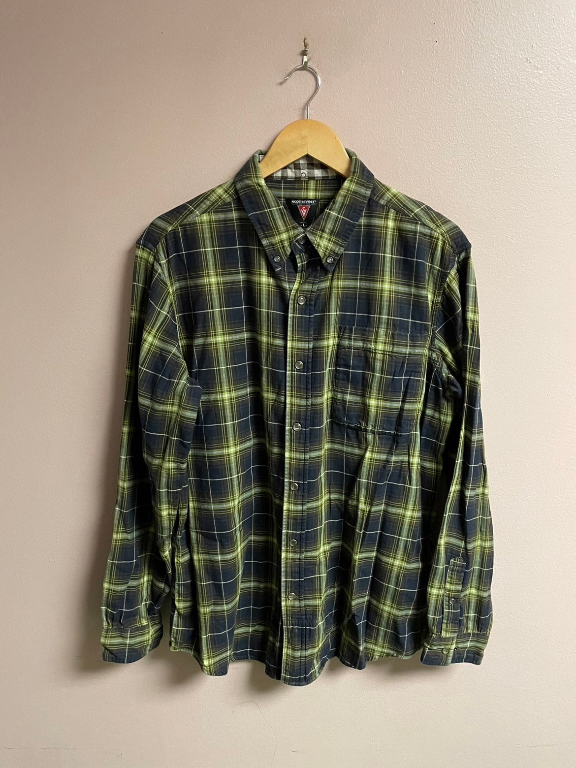 Scottevest tec plaid button shirt