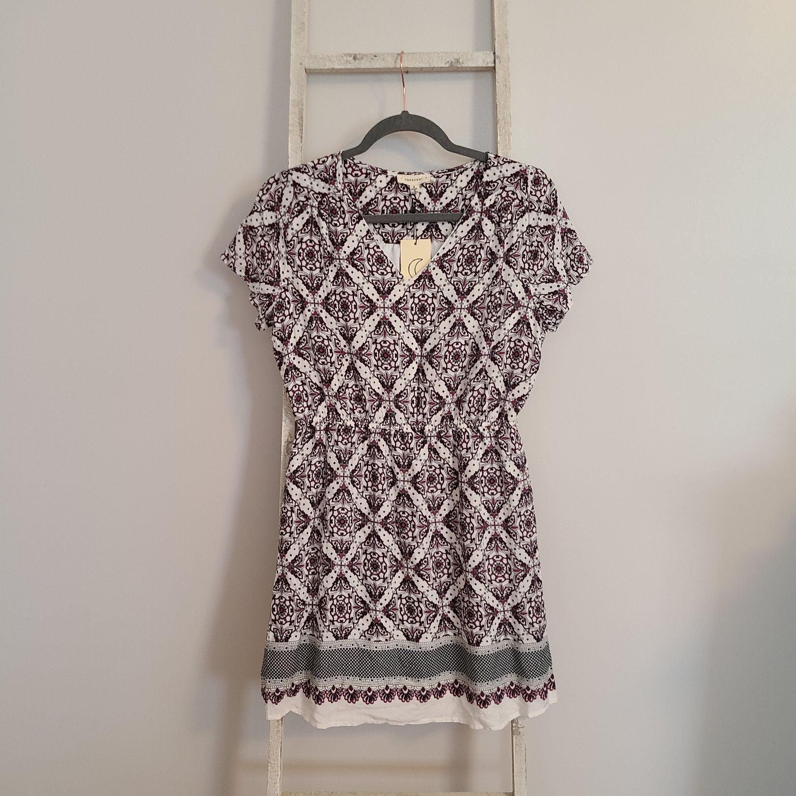 Crescent stitch fix V-neck dress