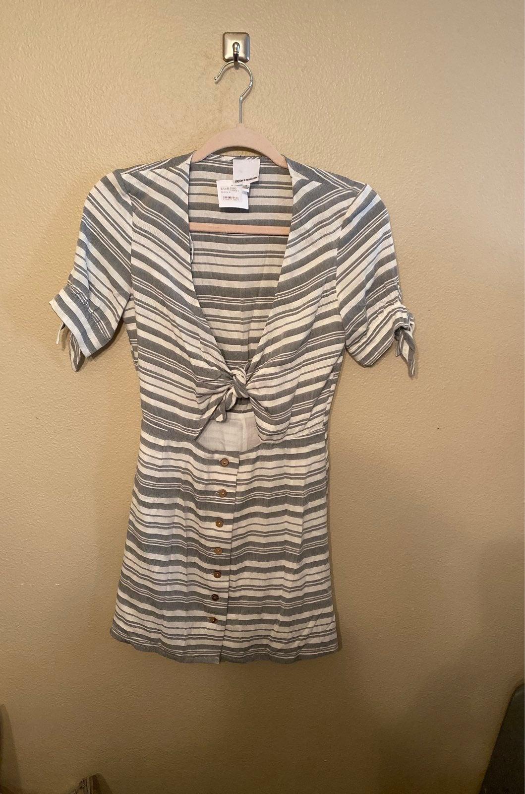Grey stripe Skylar+Madison peekaboo dres