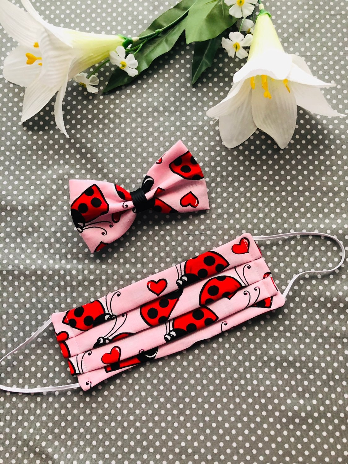Childrens smiley lady bug mask and bow s