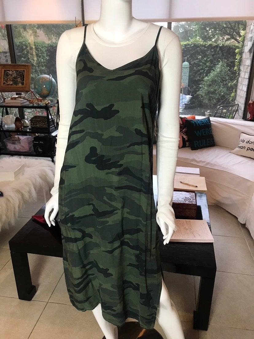 Splendid sz M camo slip dress