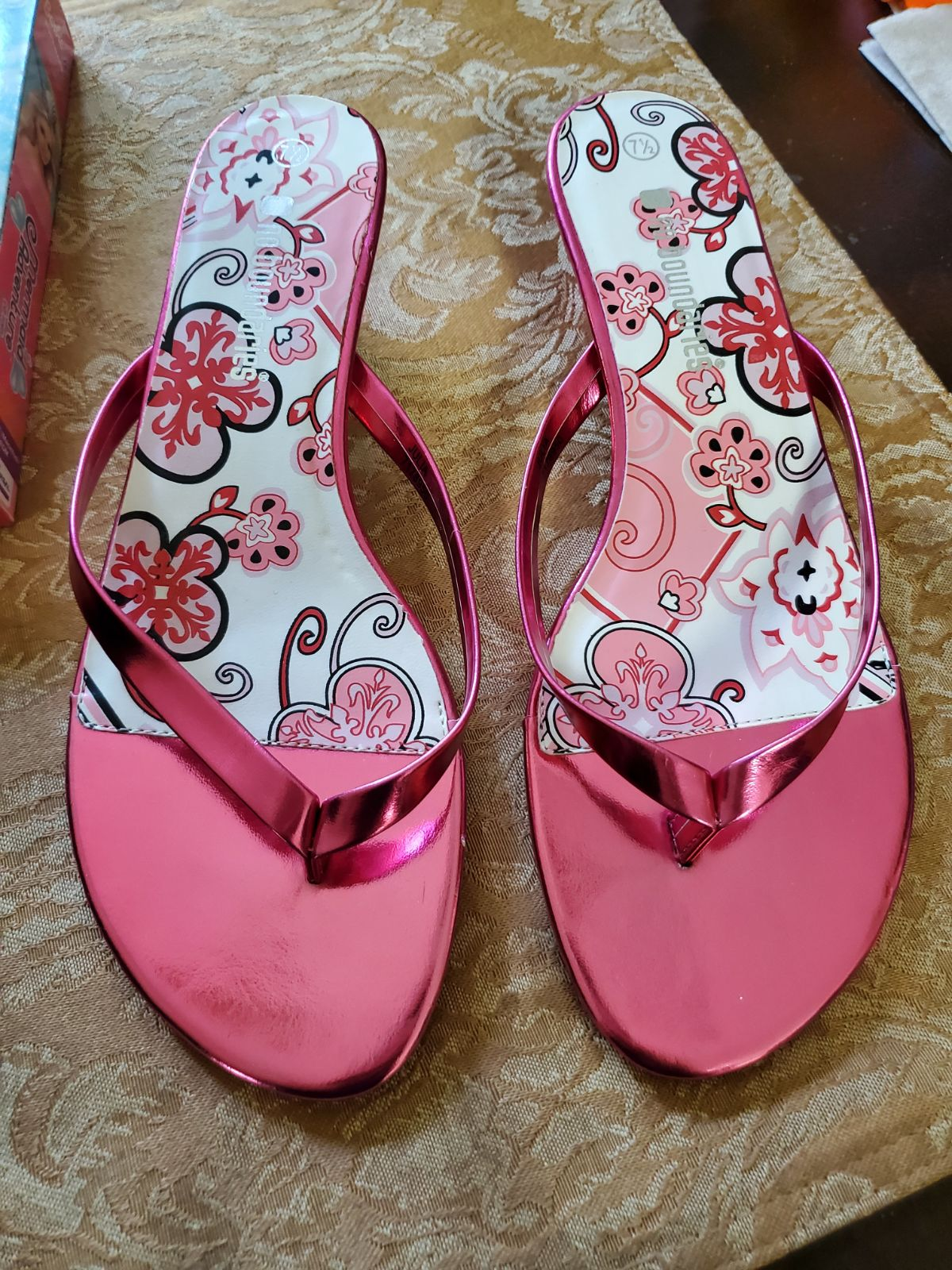 Too cool Sandals size 7.5