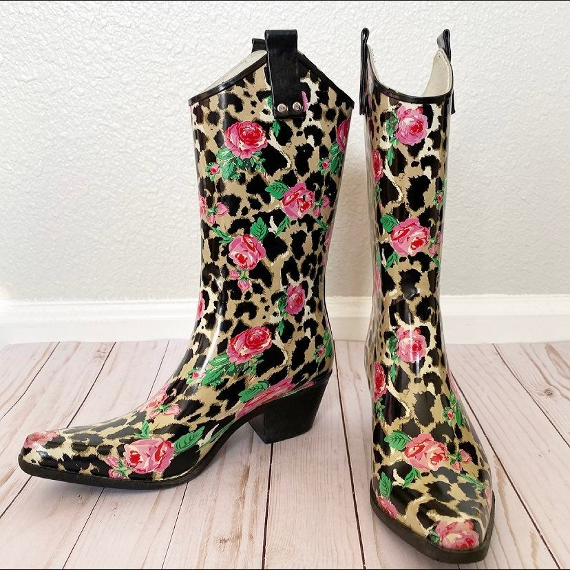 NoMad Cheetah Print Heeled Rainboots