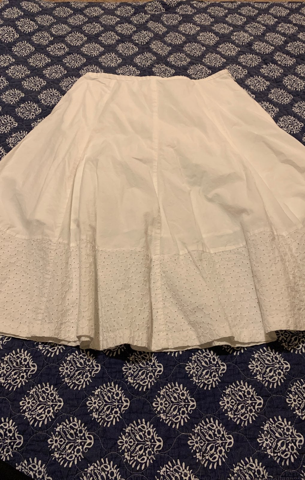 Apostrophe white skirt