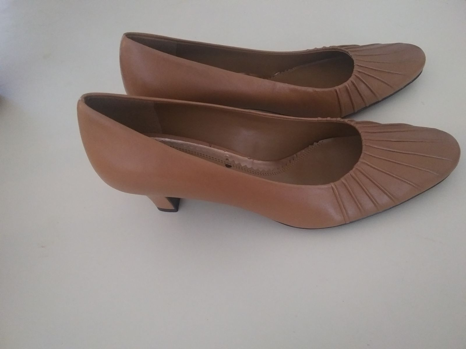 Naturalizer Leather Ladies 8.5 Heels