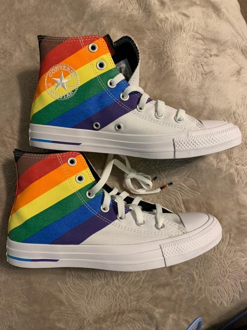 pride converse size 8