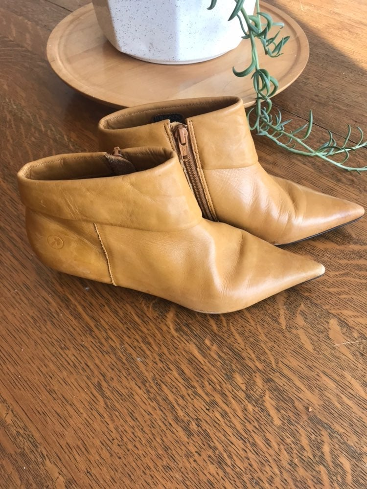 Bronx yellow leather boots
