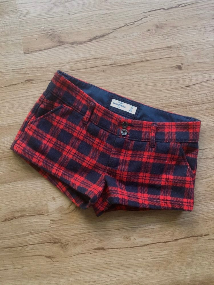 Abercrombie kids size 12 red and black c