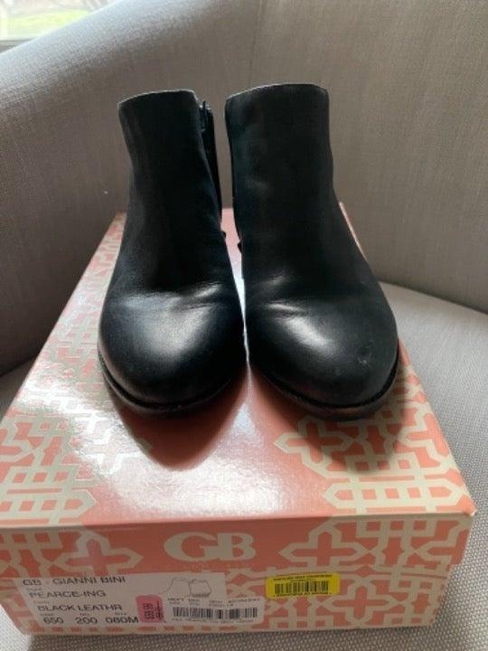 Gianni Bini black boots