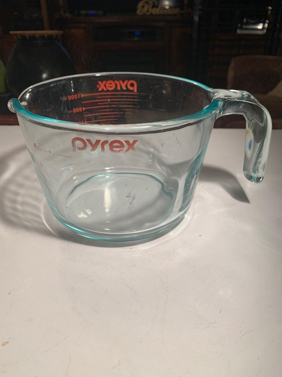 Pyrex Glass Measuring Bowl