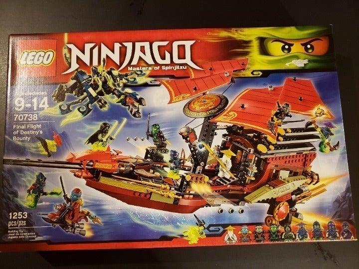 LEGO Ninjago Final Flight Of Destiny's 70738