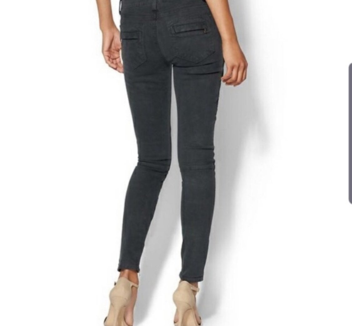 PAIGE BLACK CURRANT Skinny Jeans 28 NWT