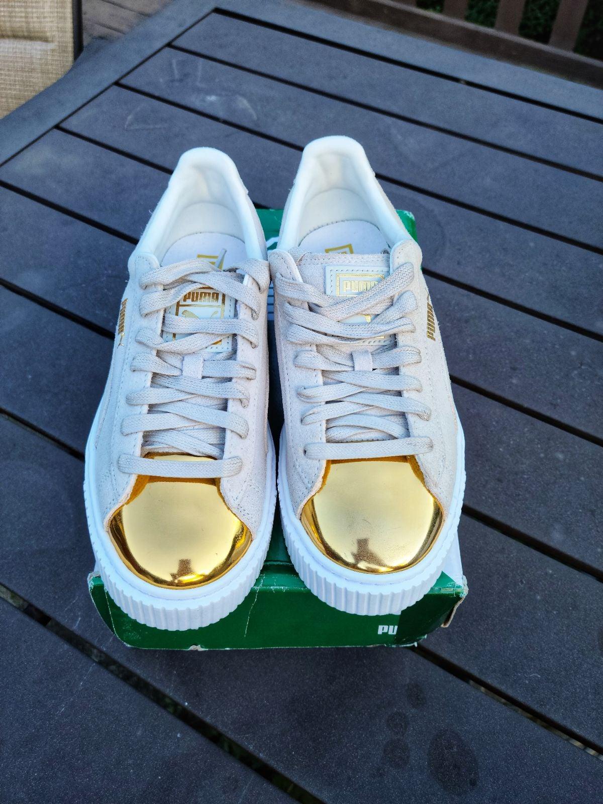 PUMA Women's Suede Gold Platform Sneaker