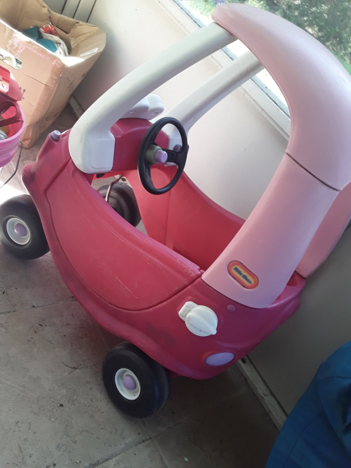 Little tikes princess couple push car
