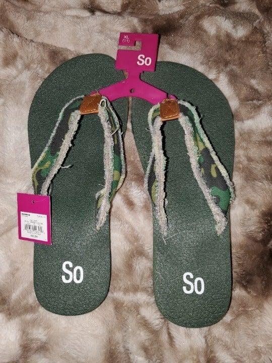 SO Camoflauge Flip Flip Sandals sz 11