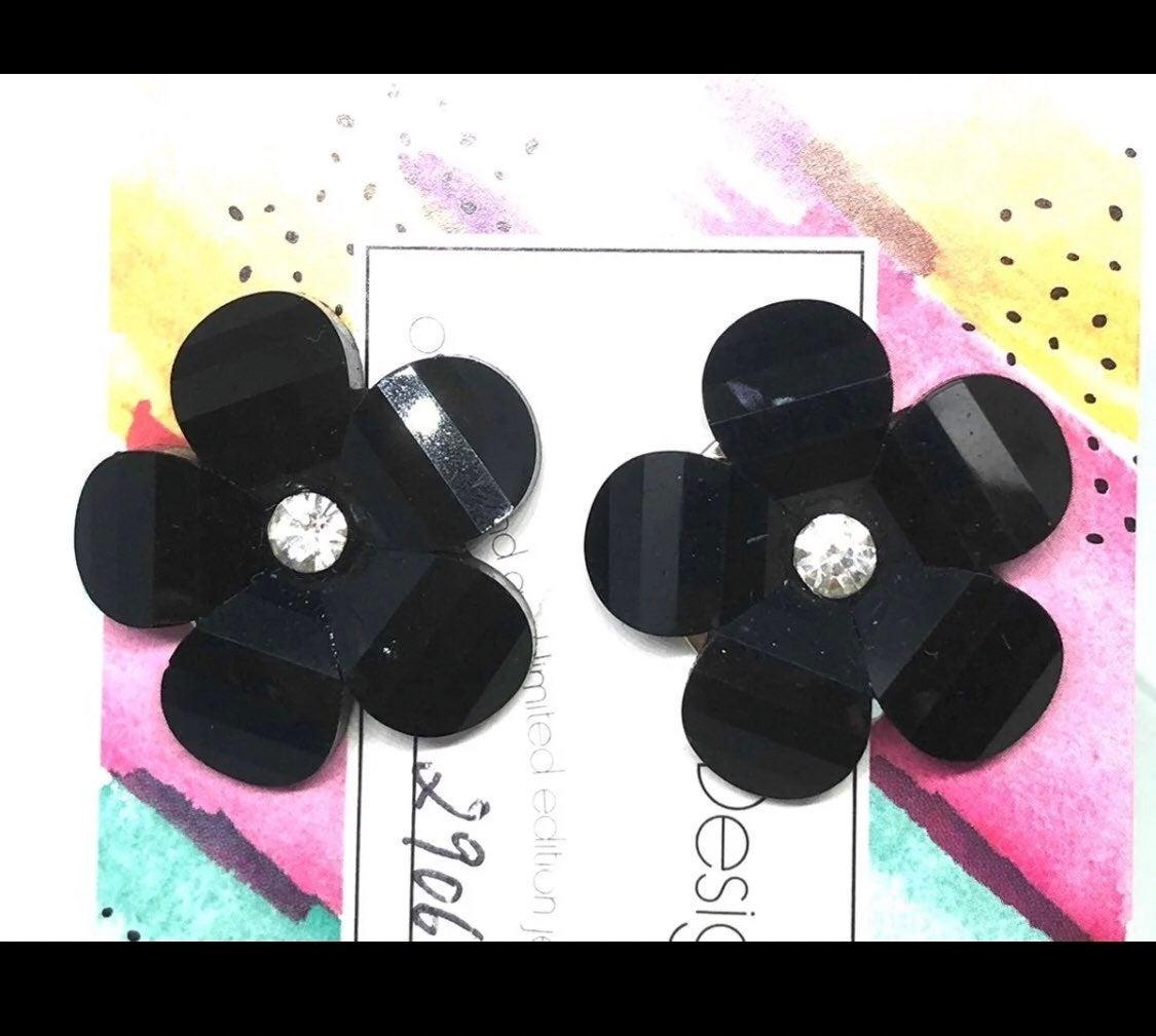 Black clip earrings - new