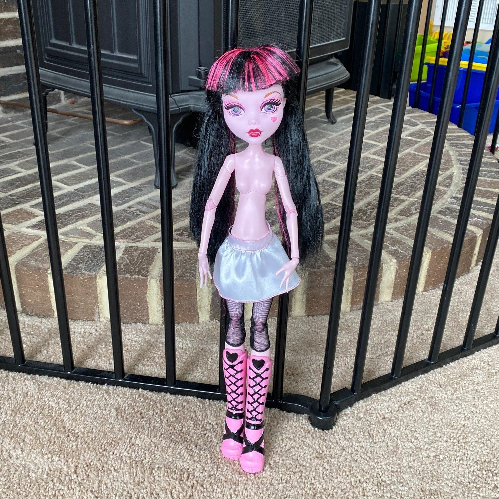 Monster High Frightfully Tall Draculaura