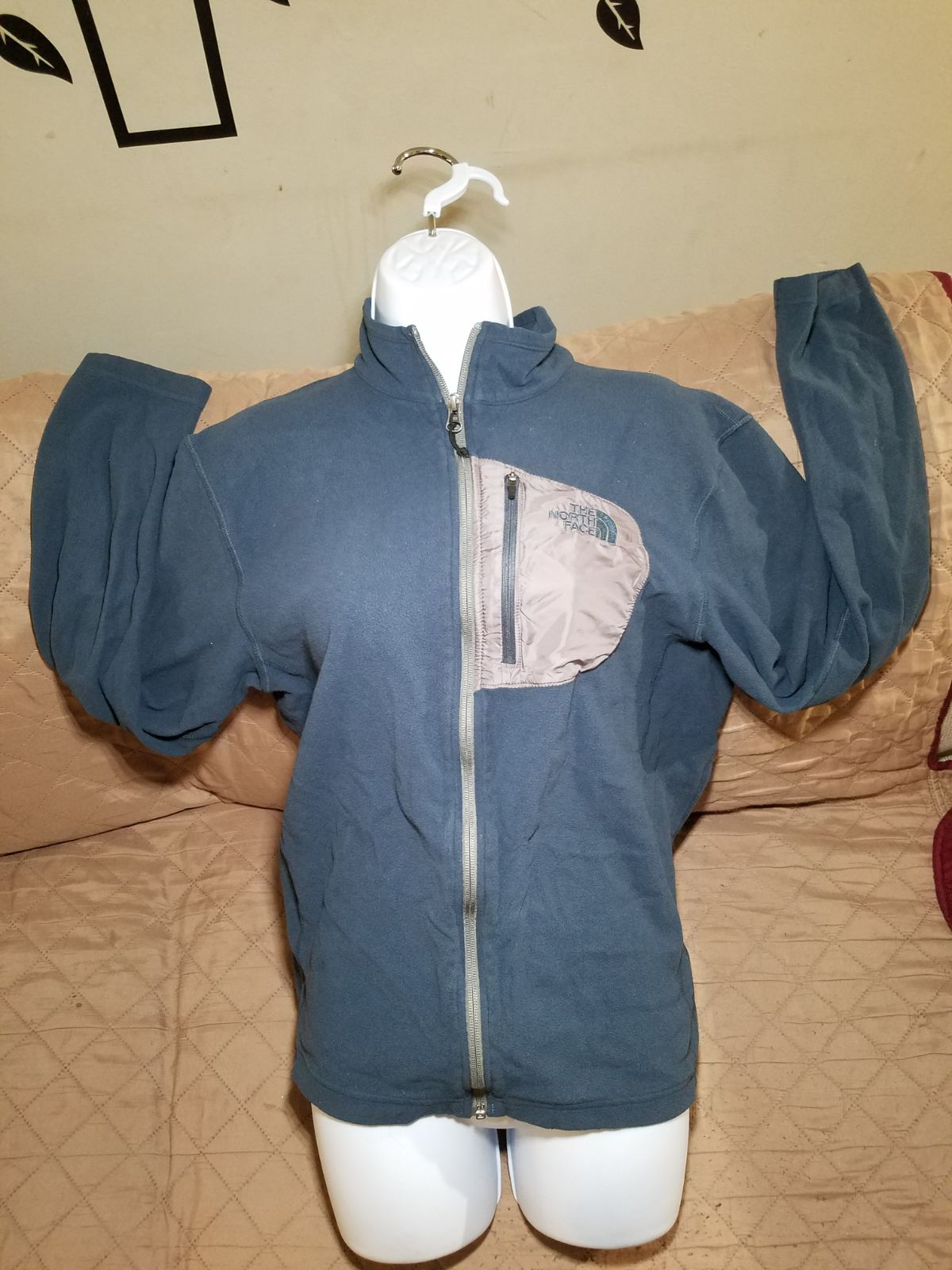 The north face sweaters M