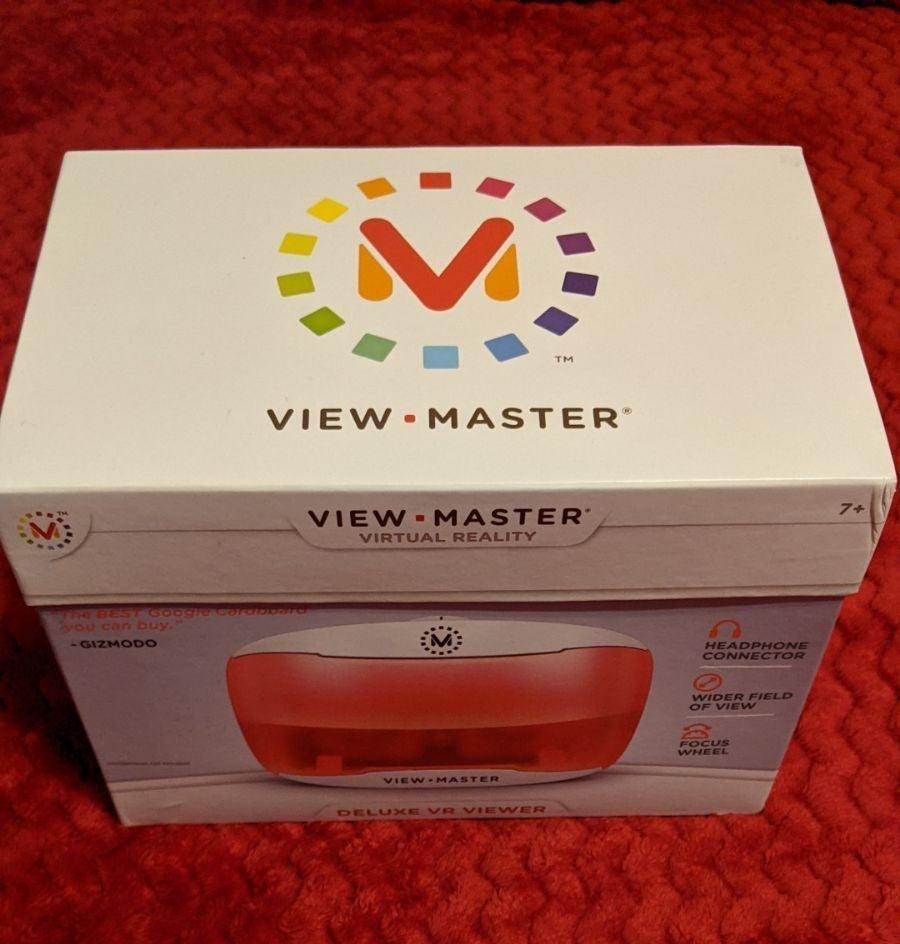 View master virtual reality set with bat