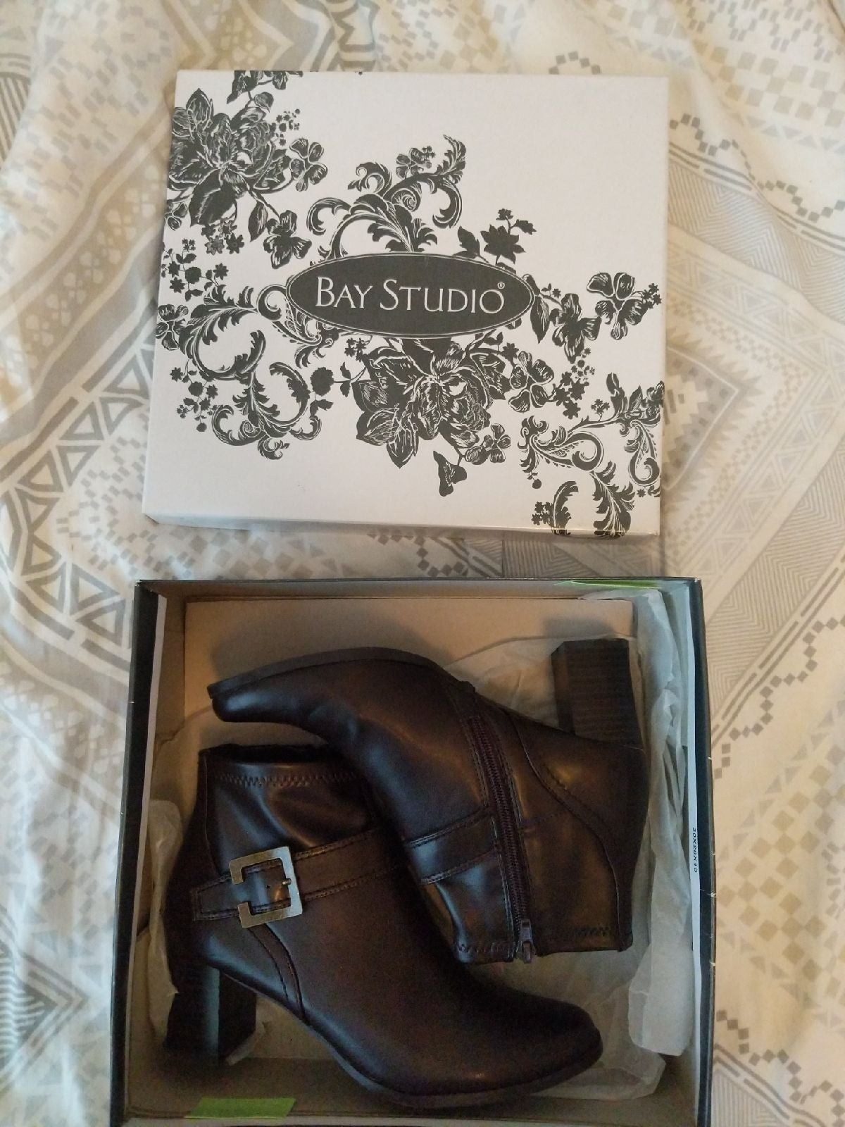 Bay studio Kelly heeled booties