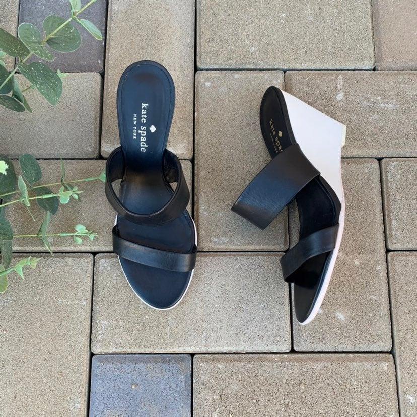 Kate Spade 6 black n white wedge sandal