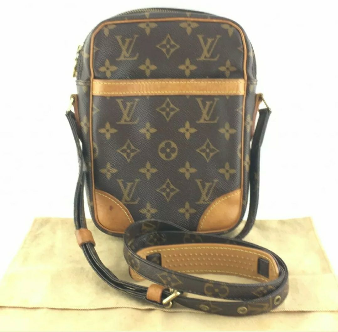 Auth Louis Vuitton Danube