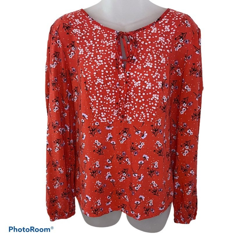 Candie's Red Floral Tie Front Blouse Siz