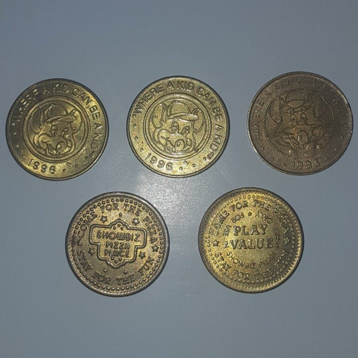 5 Chuck E. Cheese Showbiz Pizza Tokens