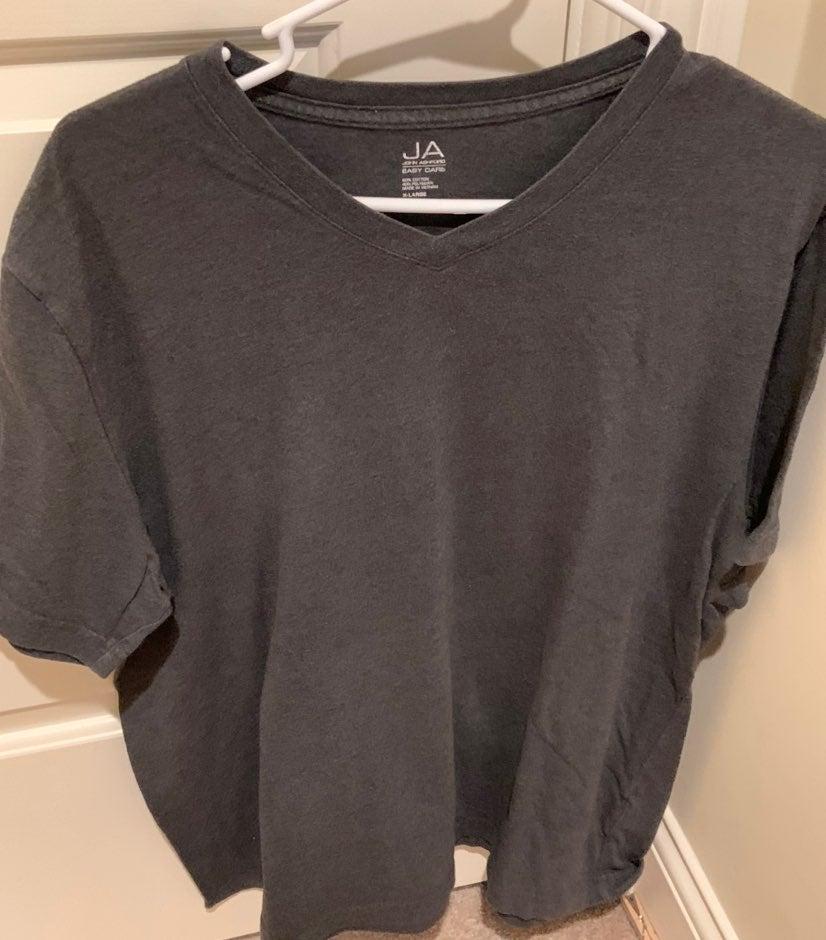 Mens XL V Neck Top Gray