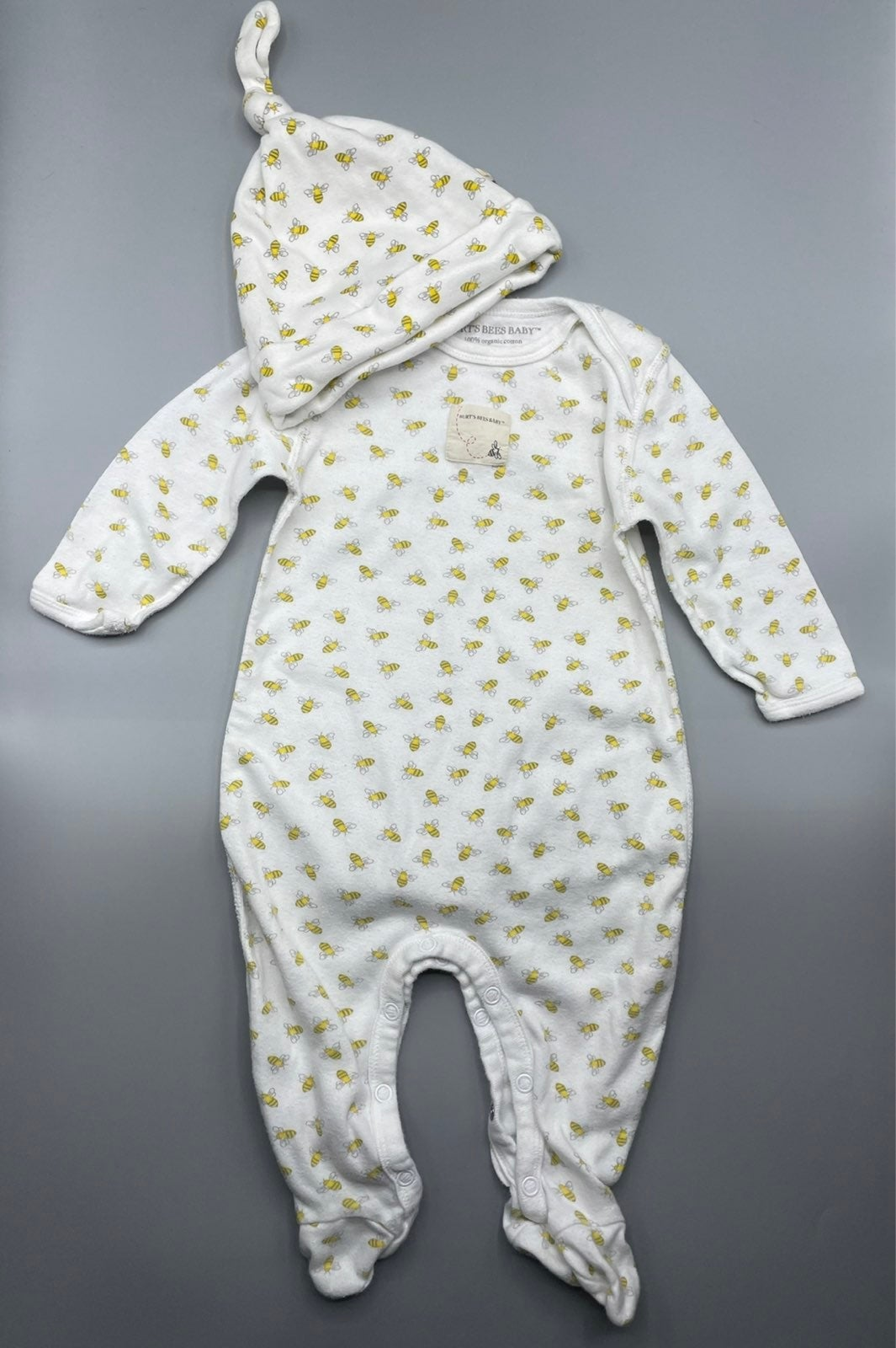 6-9m Burts Bees Baby Bee PJs and Hat